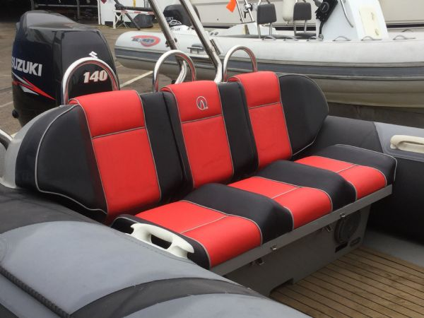 1480 - stock - ribquest 6.3 rib with sukuki df140etl engine - rear bench_l