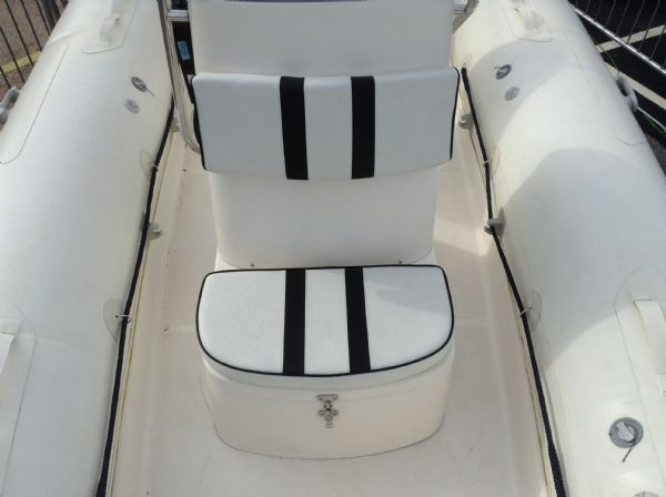 1477 - stock - rapid 520 rib with mercury 60hp engine and trailer - console seat_l