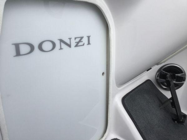 1472 - brokerage - donzi 22sx with mercruiser 5.0 mpi v8 engine - cuddy door_l