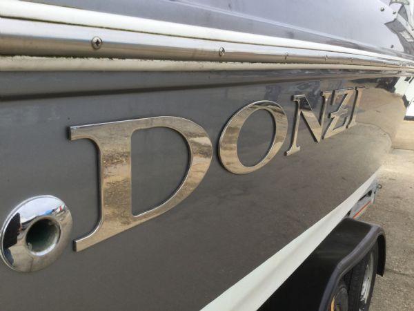 1472 - brokerage - donzi 22sx with mercruiser 5.0 mpi v8 engine - donzi emblem_l