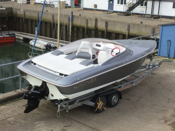 1472 - brokerage - donzi 22sx with mercruiser 5.0 mpi v8 engine - from_l