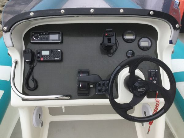 1473 - brokerage - cougar r8 rib with honda bf225 outboard engine - console_l