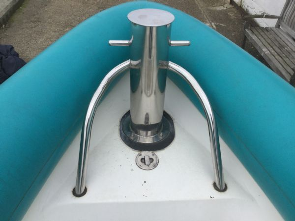 1473 - brokerage - cougar r8 rib with honda bf225 outboard engine - front towing post_l