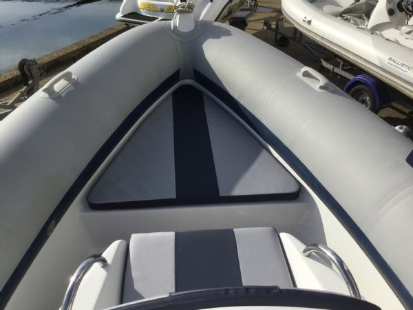 1408 - stock - ribeye 650s rib with yamaha f150aetx outboard - bow cushions_l
