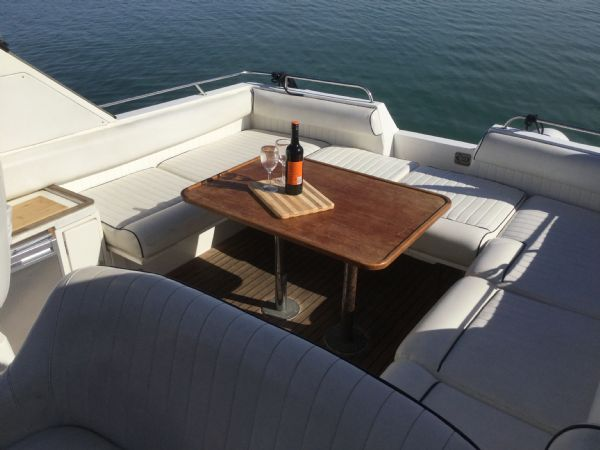 1469 - brokerage -fairline targa 33 with twin volvo kad300 edc engines - cockpit table 2_l