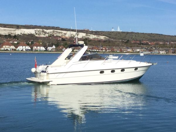 1469 - brokerage -fairline targa 33 with twin volvo kad300 edc engines - on water 7_l
