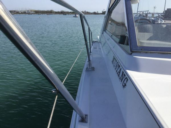 1469 - brokerage -fairline targa 33 with twin volvo kad300 edc engines - stbd wlkwy_l