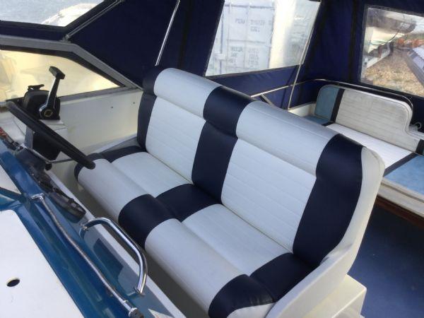 brokerage - 1452 - fairline sunfury cruiser with yamaha turbo diesel engine - helm seats_l