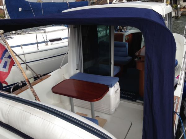 brokerage - 1453 - beneteau antares 760 with nanni 200hp inboard diesel - cockpit and canopy_l