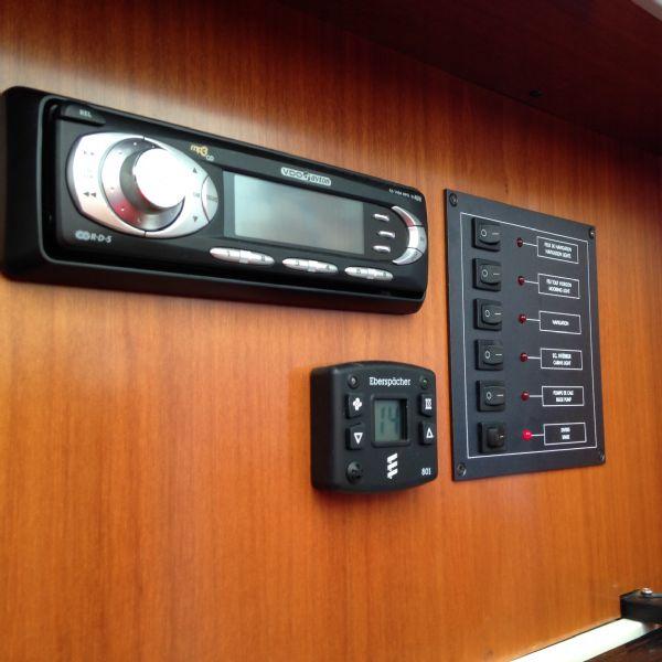 brokerage - 1453 - beneteau antares 760 with nanni 200hp inboard diesel - control panel_l