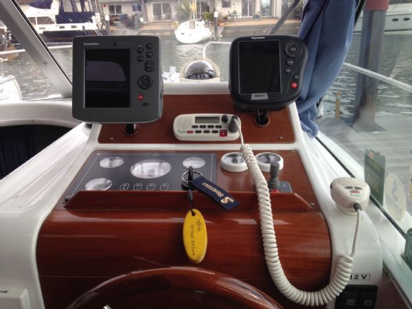 brokerage - 1453 - beneteau antares 760 with nanni 200hp inboard diesel - electronics_l