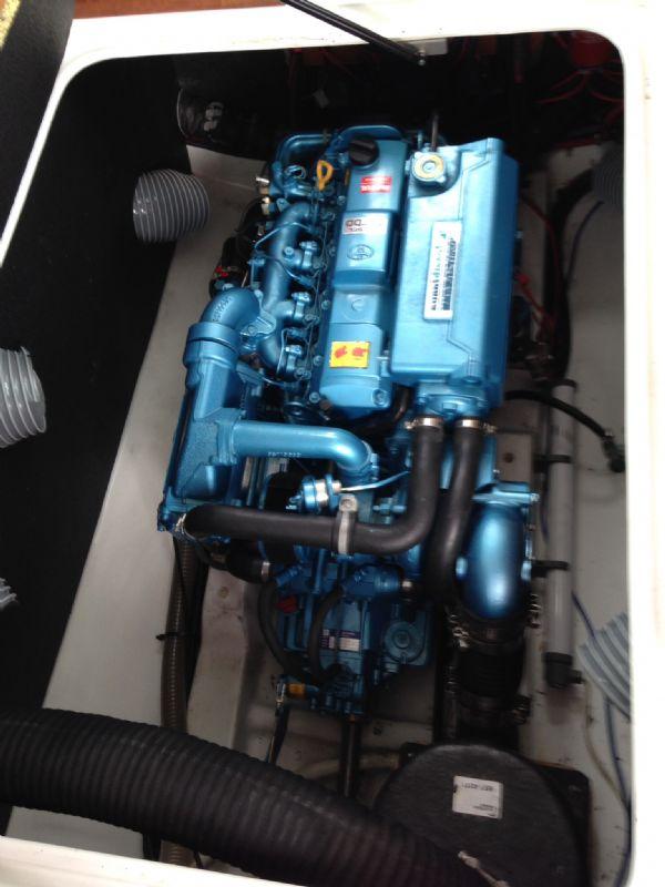 brokerage - 1453 - beneteau antares 760 with nanni 200hp inboard diesel - engine bay 2_l