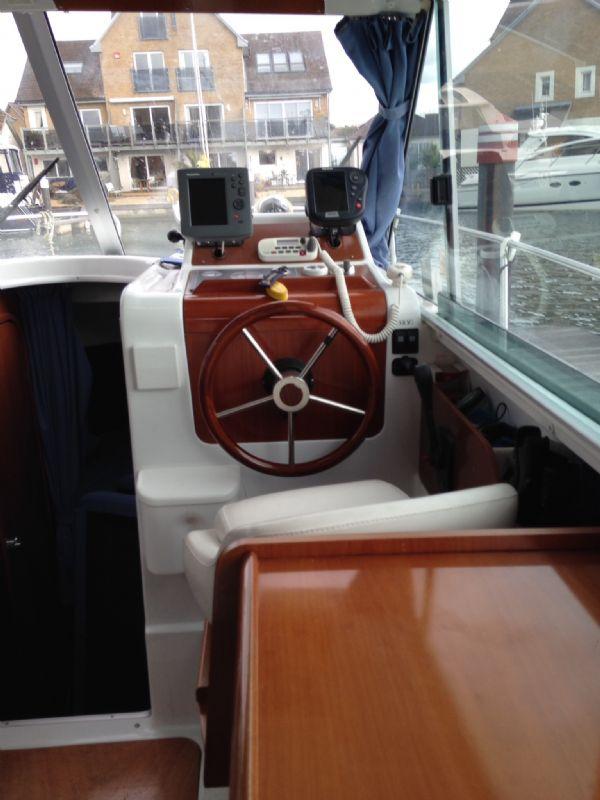 brokerage - 1453 - beneteau antares 760 with nanni 200hp inboard diesel - helm 2_l