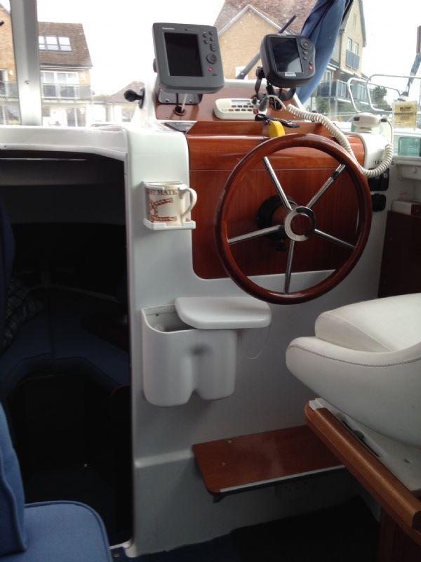 brokerage - 1453 - beneteau antares 760 with nanni 200hp inboard diesel - helm_l