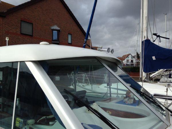 brokerage - 1453 - beneteau antares 760 with nanni 200hp inboard diesel - windscreen_l
