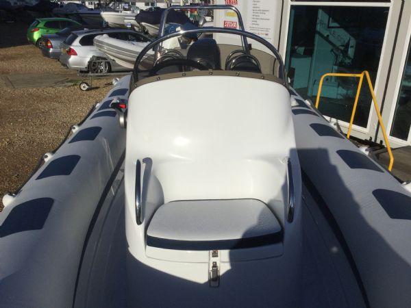 1439 - ribeye a600 rib with yamaha f100detl engine and trailer - console seat_l