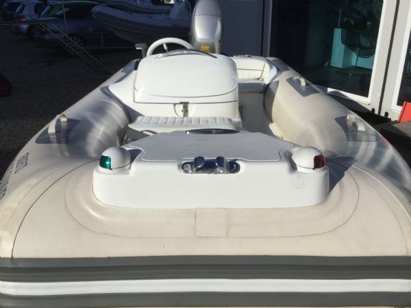 stock - 1445 - avon seasport 400 dl rib with honda bf50 engine - bow section_l