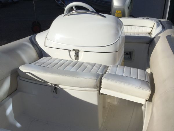 stock - 1445 - avon seasport 400 dl rib with honda bf50 engine - forward folding seat up_l