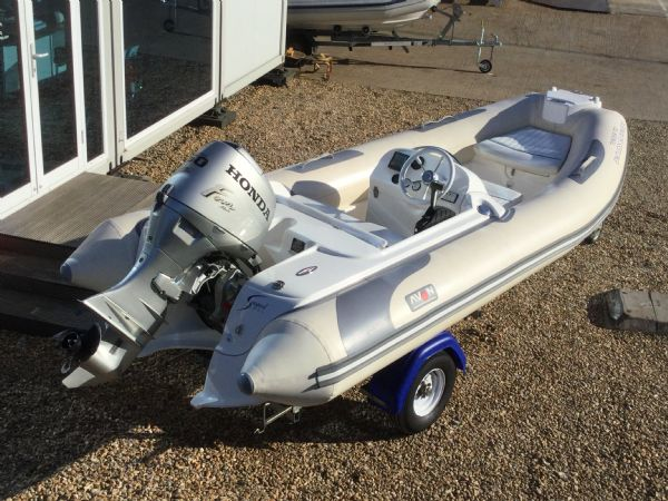 stock - 1445 - avon seasport 400 dl rib with honda bf50 engine - rear port quarter_l