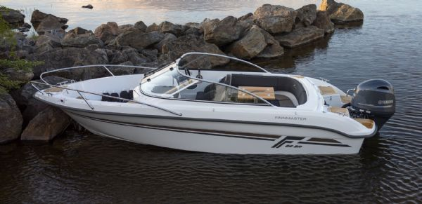 finnmaster 62 bow rider with yamaha engine - whole boat from side_l