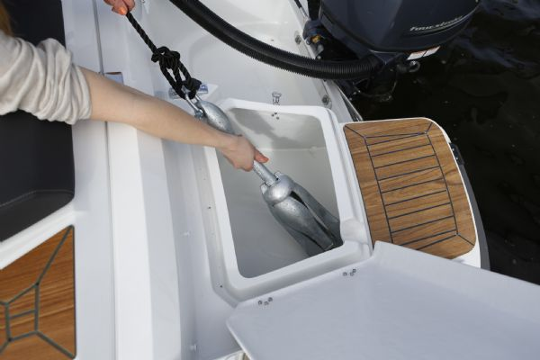 finnmaster 55 bow rider with yamaha engine - anchor boxes_l