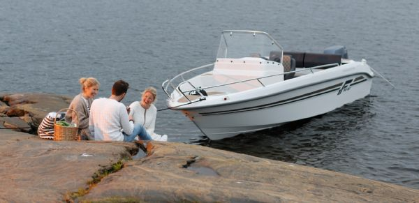 finnmaster 55sc boat with yamaha outboard engine - overview_l