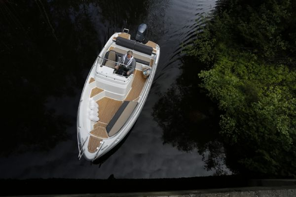 finnmaster 55sc boat with yamaha outboard engine - overview of whole boat_l