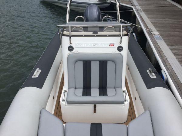 ballistic 6.5m rib with yamaha f200hp outboard engine - layout from bow_l
