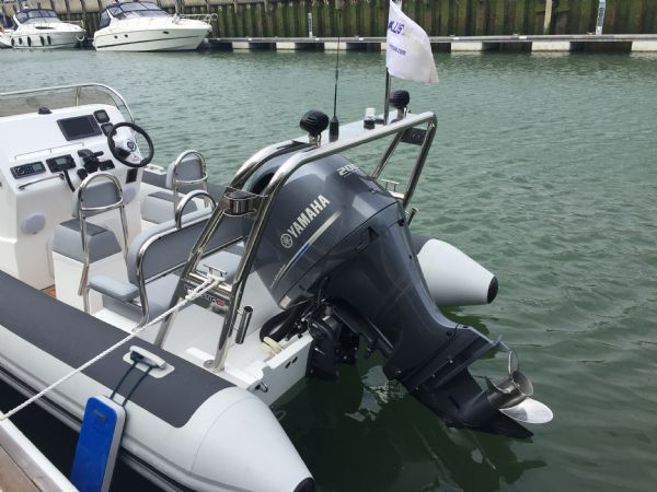 ballistic 6.5m rib with yamaha f200hp outboard engine - yamaha engine_l