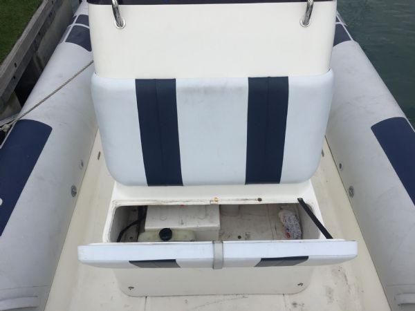 1435 - ballistic 7.8m rib with evinrude 250hp outboard engine - console seat locker_l
