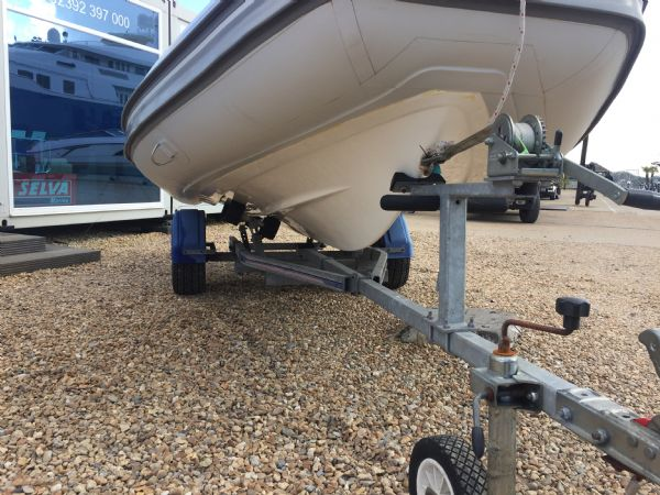 1436 - excel 470 rib with evinrude 60hp outboard engine and trailer - hull and trailer starboard_l