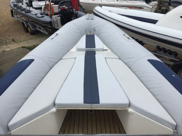 1410 - ballistic 6.5m rib with evinrude etec 175hp outboard engine and trailer - bow and sun pad area_l
