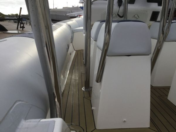 1410 - ballistic 6.5m rib with evinrude etec 175hp outboard engine and trailer - port walkway_l
