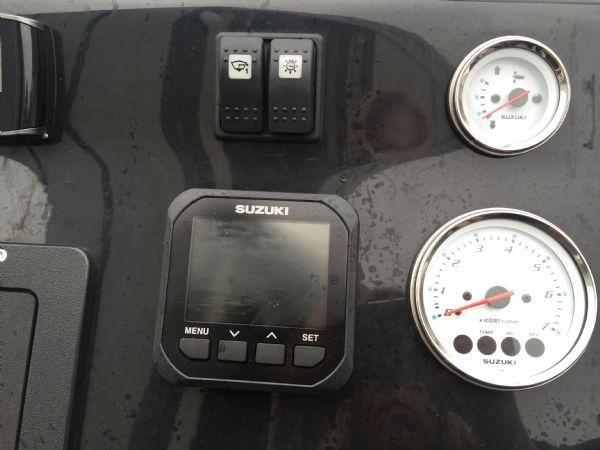 1434 - ribcraft 585 rib with suzuki 140hp outboard engine - engine gauges_l