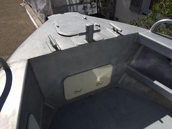 aluminium work boat with twin etecs - bow_l