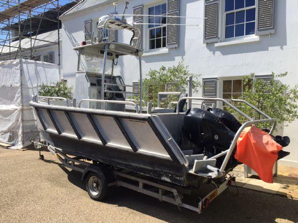 aluminium work boat with twin etecs - rear_l