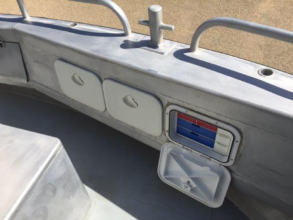 aluminium work boat with twin etecs - storage_l