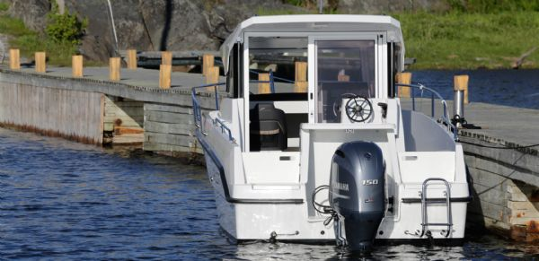 finnmaster pilot 7 with yamaha outboard engine - stern_l