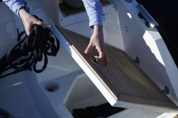 finnmaster t8 with yamaha outboard - anchor boxes_l