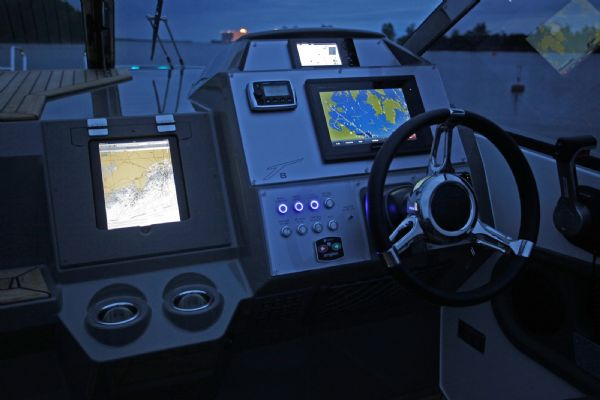 finnmaster t8 with yamaha outboard - garmin electronics_l