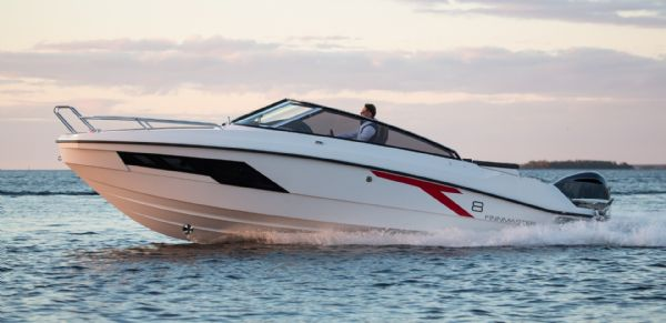 finnmaster t8 with yamaha outboard - main shot_l