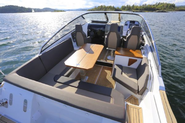 finnmaster t8 with yamaha outboard - rear seating area_l
