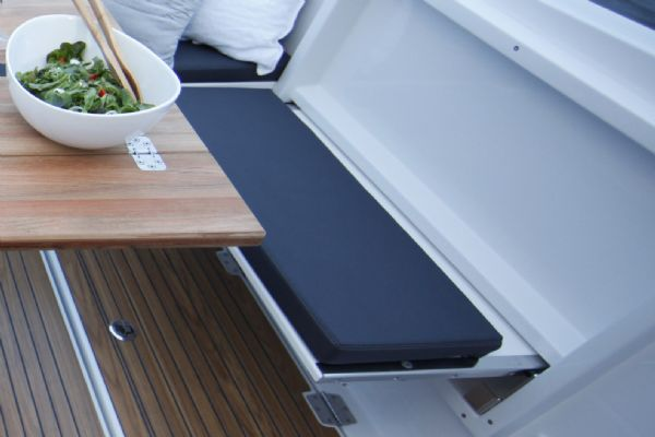 finnmaster pilot 7 weekend with yamaha outboard engine - folding bench seat_l
