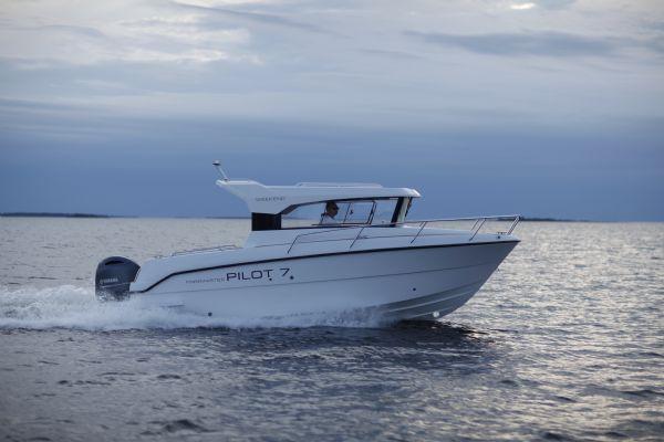 finnmaster-pilot-7-weekend-with-yamaha-outboard-engine-main-shot-l - thumbnail.jpg
