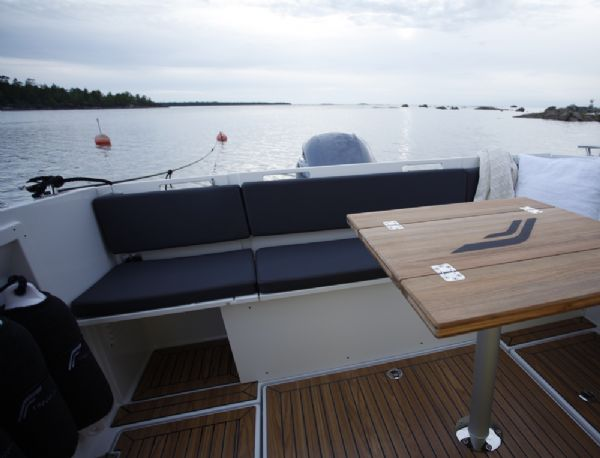 finnmaster pilot 7 weekend with yamaha outboard engine - rear seating_l