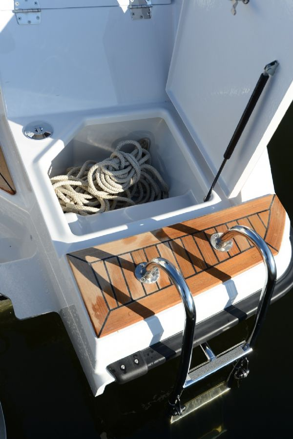 finnmaster t7 with yamaha outboard engine - anchor boxes_l