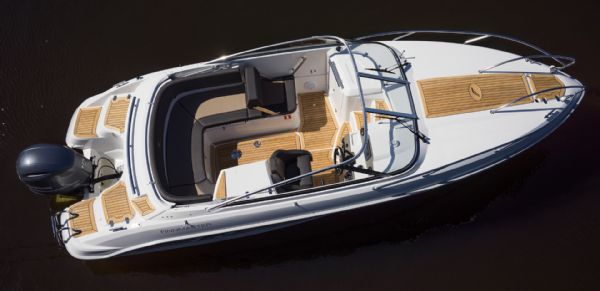 finnmaster 68 day cruiser with yamaha outboard engine - boat overview_l