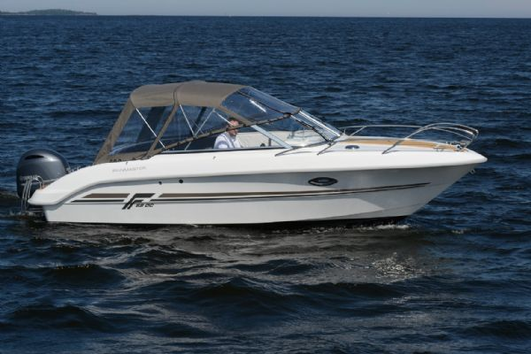 finnmaster 68 day cruiser with yamaha outboard engine - canopy_l