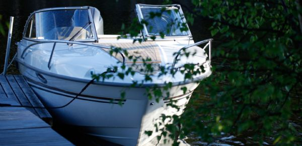 finnmaster 62 day cruiser with yamaha outboard engine - bow_l