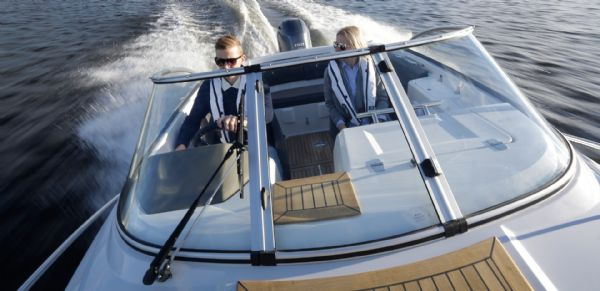 finnmaster-62-day-cruiser-with-yamaha-outboard-engine-bow-shot-l - thumbnail.jpg